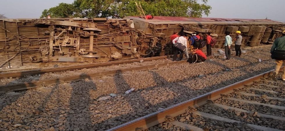 Morning visuals from the spot where 12 coaches of Poorva Express, plying from Howrah to New Delhi, derailed near Rooma village at around 1 am today. (Photo: ANI)