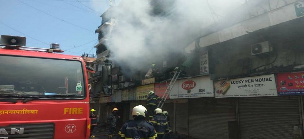 Fire breaks out in Mumbai's Crawford Market, 4 fire tenders at spot