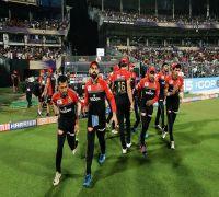 Cricket fans unimpressed by Virat Kohli's send off to Ravichandran Ashwin