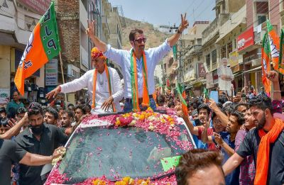 Sunny Deol holds roadshow in Rajasthan, dialogue from 'Gadar' played in background