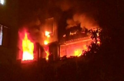 Fire breaks out at Shastri Bhawan in Delhi, 7 fire tenders present at the spot
