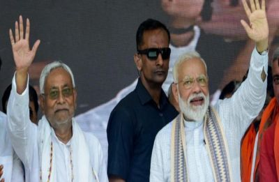 WATCH: Nitish Kumar remains silent during PM Modi's Vande Mataram chant