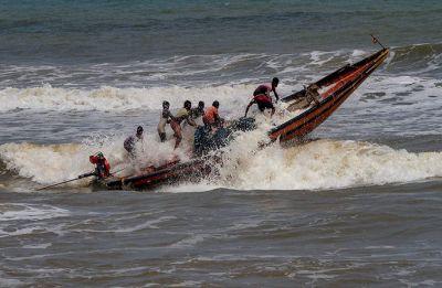 Cyclone Fani to hit Odisha on Friday; 8 lakh to be evacuated, NAVY, NDRF put on standby