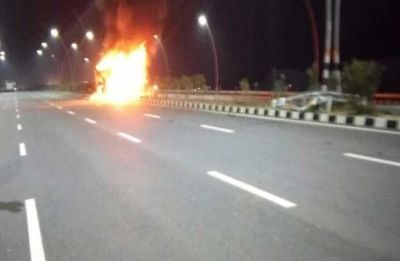 Watch: Moving bus catches fire in Mumbai's Goregaon East