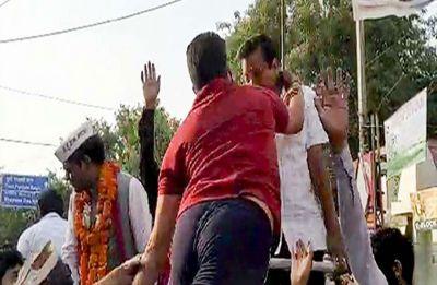 FIR registered against man who slapped Delhi CM Arvind Kejriwal