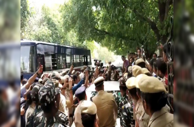 Activists protest against clean chit to CJI Gogoi, Section 144 imposed outside Supreme Court
