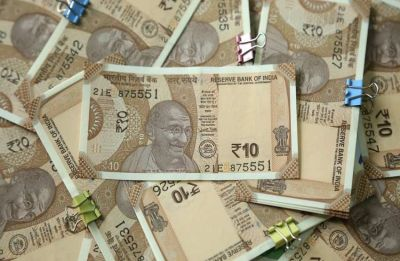 Rupee snaps 4-day losing streak; inches up 2 paise to 69.92 against US Dollar