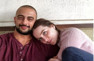 Jism 2 actor Arunoday Singh announces end of his marriage with Canadian wife Lee Elton
