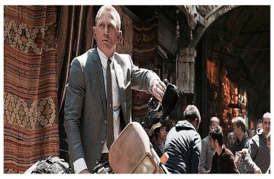 Daniel Craig injured while doing own 007 stunt, 'Bond 25' shoot suspended