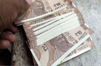 Rupee snaps 3-day winning streak, slips 20 paise to 70.23 against US Dollar