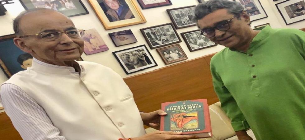 Rajya Sabha MP Swapan Dasgupta tweets that he met Arun Jaitley on Sunday afternoon. (Twitter/Swapan Dasgupta)