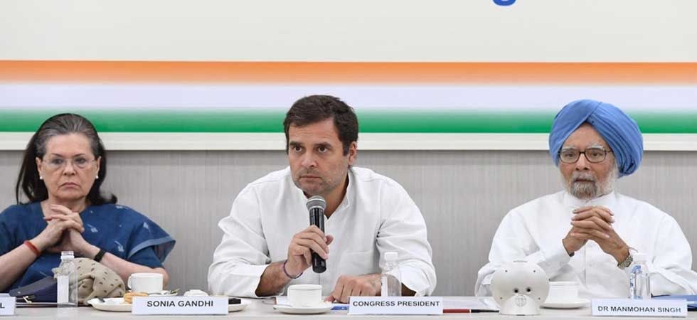 Sonia Gandhi, Rahul Gandhi and Manmohan Singh during Congress Working Committee meeting in Delhi on Saturday.  (Photo: Twitter/@INCIndia)