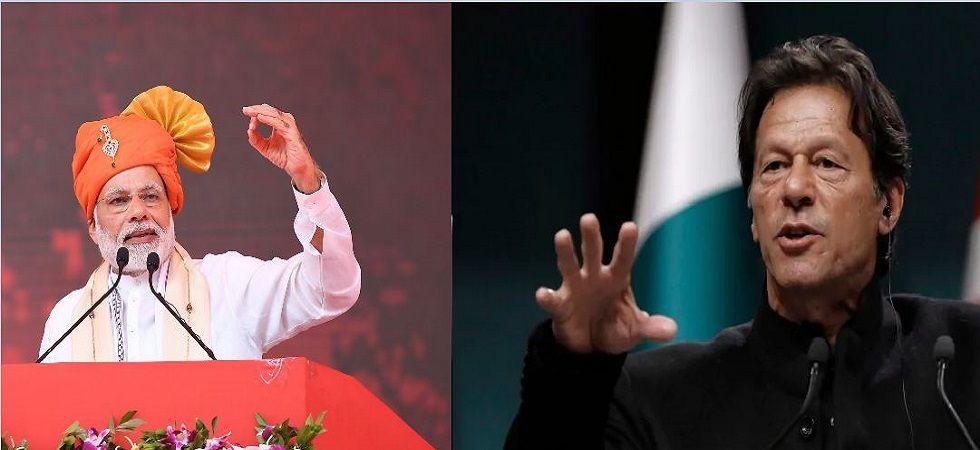 Prime Minister Narendra Modi and his Pakistani counterpart Imran Khan (File Photo)