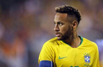 Neymar misses Brazil training session eyeing pain in knee
