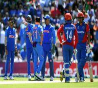 Indian skipper Virat Kohli under pressure, argues with umpire over DRS