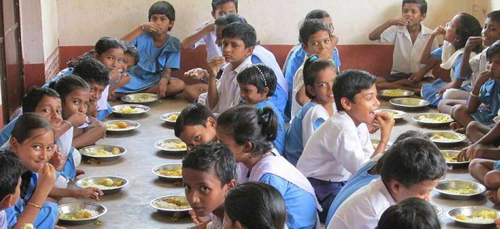 Children of a state-run school having mid-day meal. (Photo: mdmodisha.nic.in/)