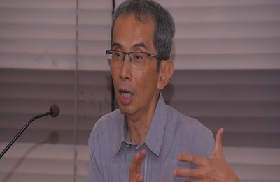 Dr. Emmanuel Jimenez holds workshop on 'Evaluation in Development Policy'