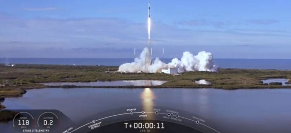 SpaceX's Falcon 9 rocket lifted off (Photo Credit: Twitter)