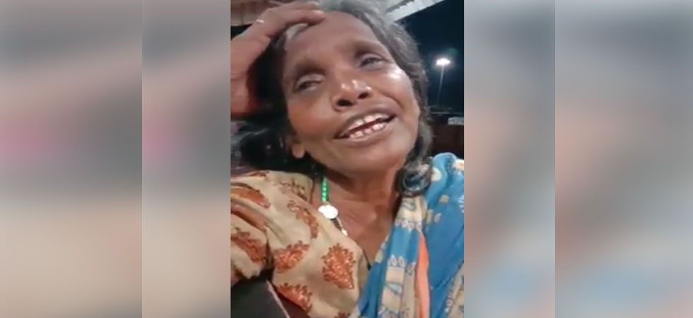 A Facebook page that goes by the name 'BarpetaTown The place of peace' shared a video of a woman singing Lata Mangeshkar's classic song 'Ek Pyar Ka Nagma hai' from movie 'Shor' on July 28.