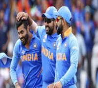 WATCH - Virat Kohli's hilarious expression when Rohit Sharma guessed his name in 'heads up challenge'