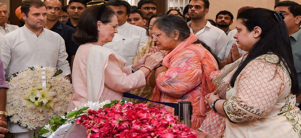 Congress interim chief Sonia Gandhi at Arun Jaitley's residence (Photo Source: PTI)