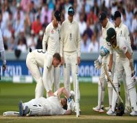 After blow on neck, Steve Smith's first thoughts were about Phil Hughes
