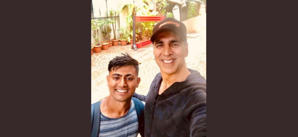 Akshay Kumar with his fan Parbat. (Image: Twitter)