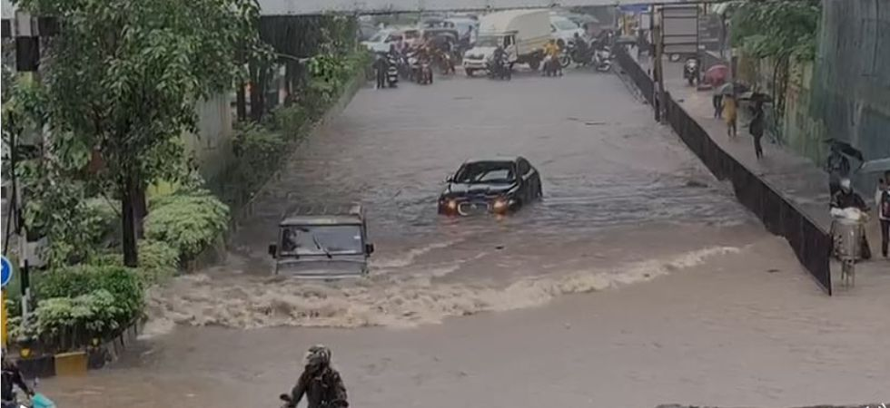 The incident happened yesterday at an underpass in Navi Mumbai's Airoli.