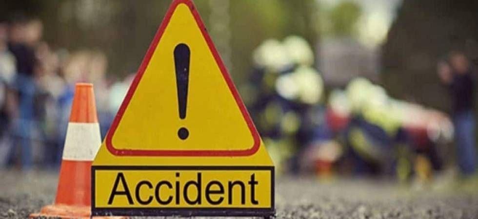 The car rammed into a stationary truck on the national highway (Representational Imgae)
