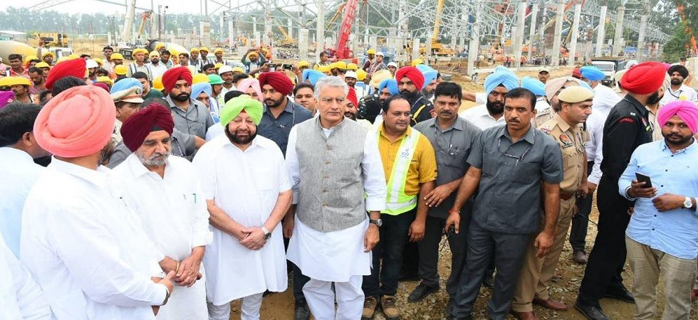 Punjab Chief Minister Captain Amarinder Singh visited Dera Baba Nanak to review the construction work of the Kartarpur corridor. (Photo: Twitter/@capt_amarinder)
