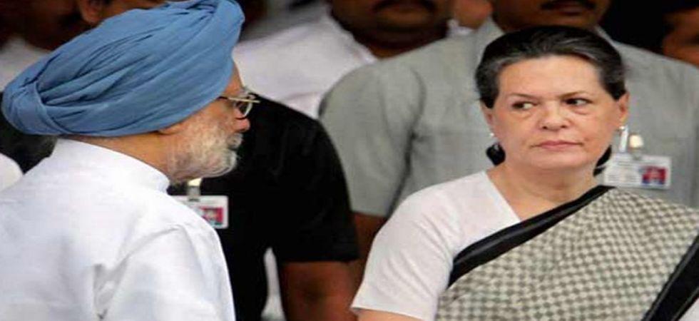 Congress Interim President Sonia Gandhi and former PM Manmohan Singh (Image: PTI File)