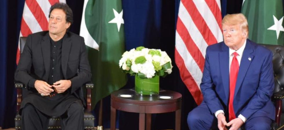 Imran Khan was in quiet and somber mood in front of Donal Trump (Image: Imran Khan Facebook)