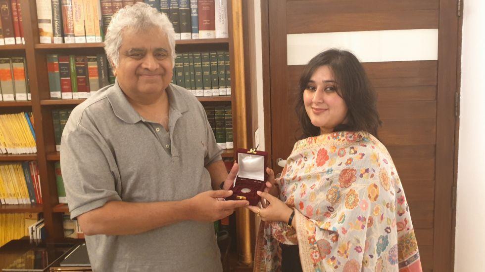 Bansuri Bansuri Swaraj visited Salve and presented him with a one-rupee coin (Image: @governorswaraj)