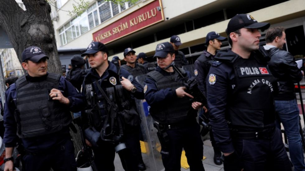 Turkey Detains Five Germans On Terror Charges