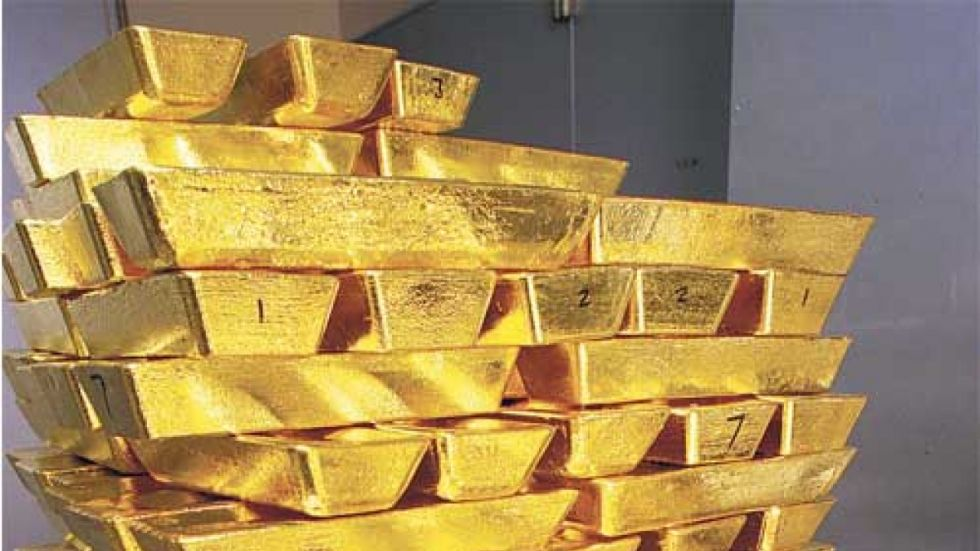 Gold prices on Monday remained almost flat