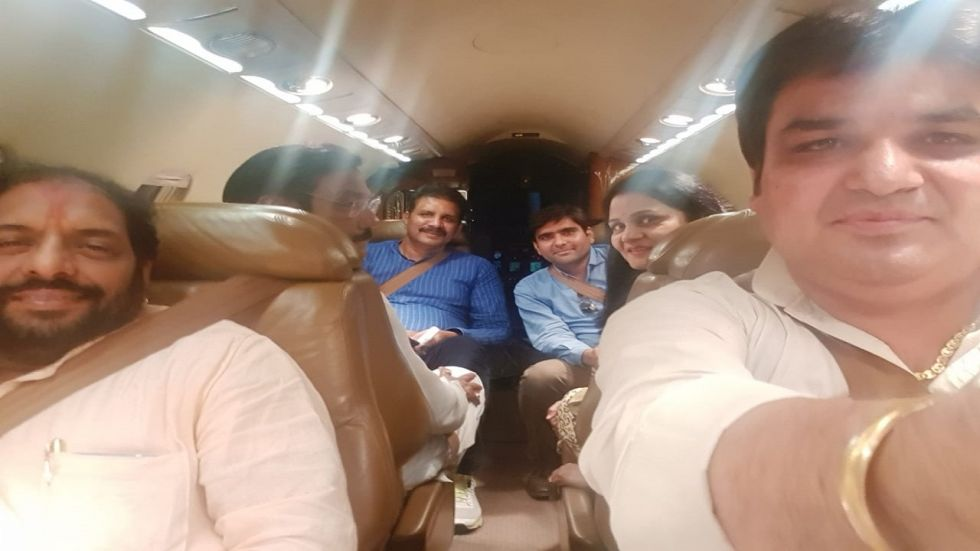 he Independents, including Gopal Kanda and Ranjeet Singh, were taken to Delhi by a chartered plane by Sirsa MP Sunita Duggal.