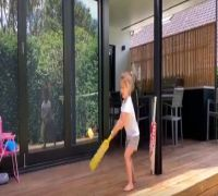 'I Am Like Virat Kohli' - David Warner's Daughter Wows The Internet With Her Cricket