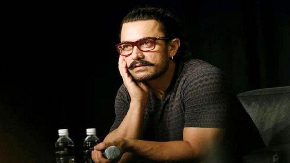 Thug Of Hindostan Star Aamir Khan Visits Golden Temple
