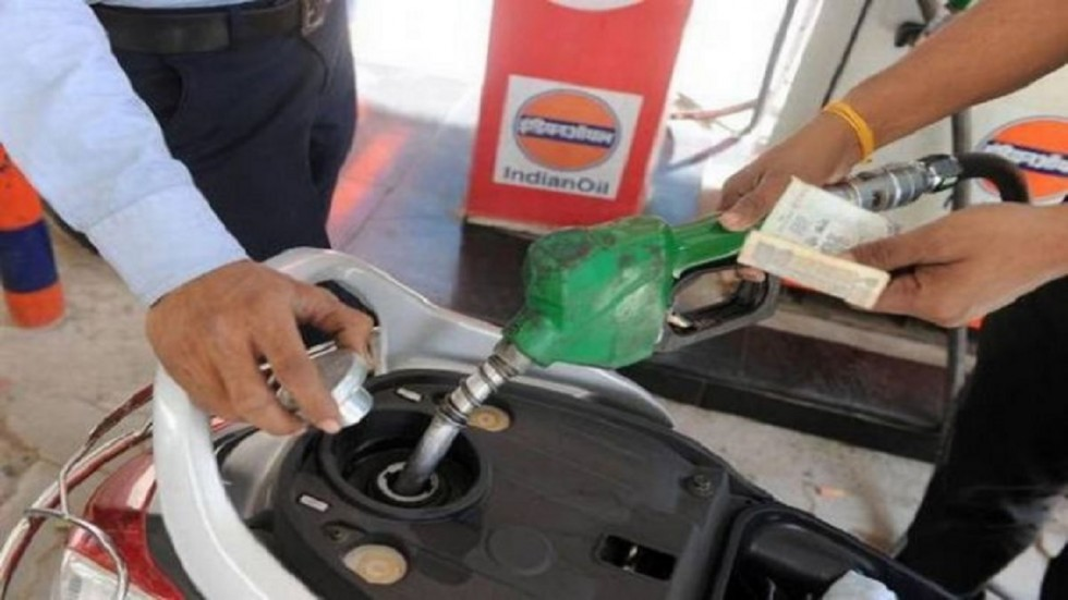 After remaining unchanged for a day, petrol and diesel prices witnessed a downward trend on Thursday, January 16.