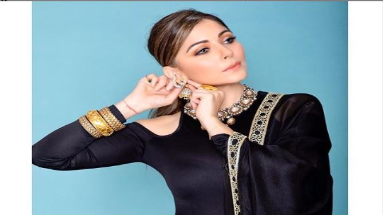 Kanika Kapoor Health Updates: 63 Out Of 162 People Who ...