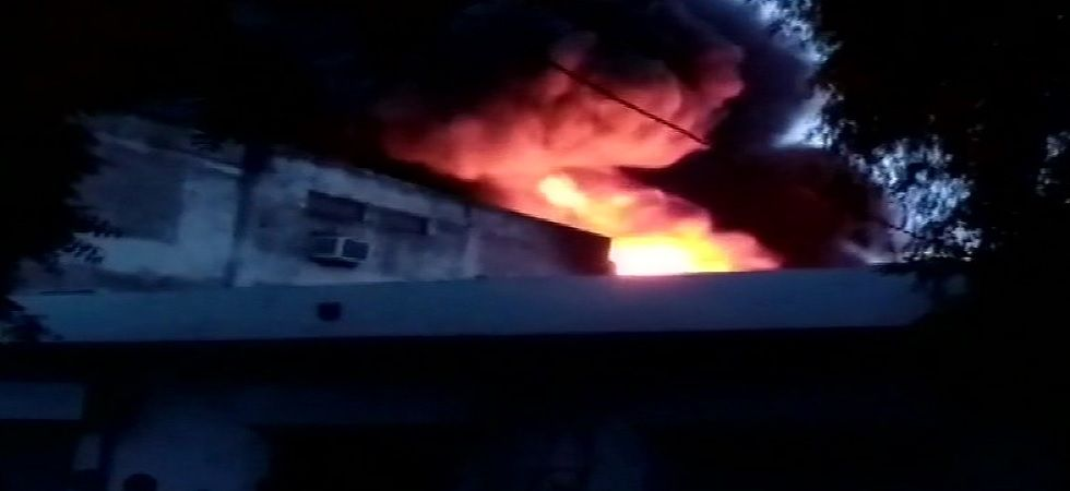 Delhi: Fire breaks out at warehouse in Ghitorni, 4 fire tenders at spot
