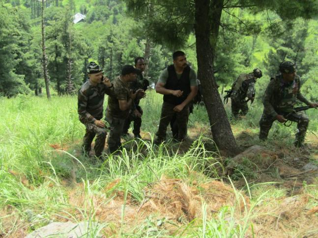 Security forces issue pics of Tral encounter