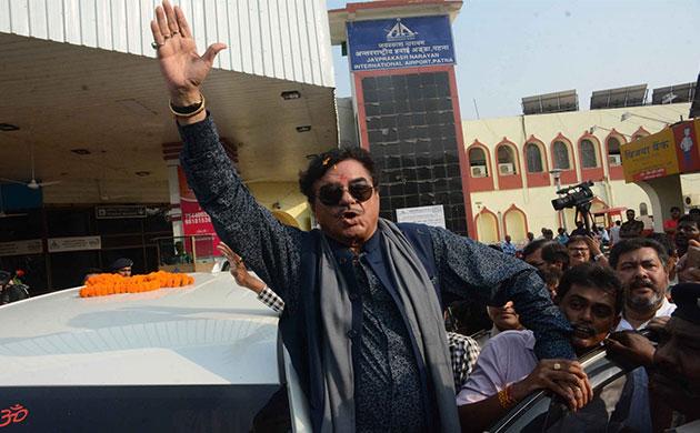 'Loyalist' Shatrughan Sinha speaks to Congress workers in Patna