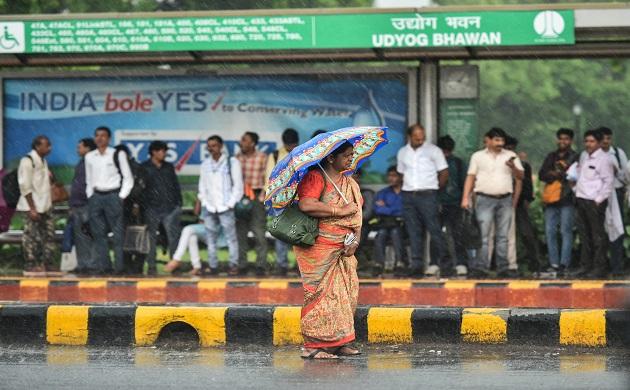 In Pictures: Light rains lash parts of Delhi, pleasant weather forecast for Saturday