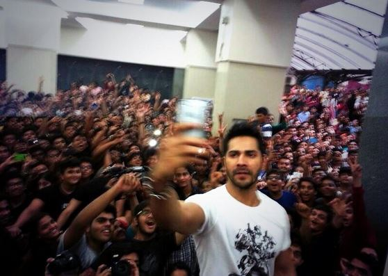 It's selfie time for Humpty Sharma and his Dulhania