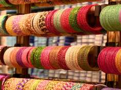 Markets gear up for Eid