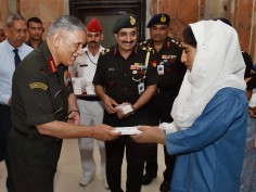 General Bipin Rawat hails Kashmiri students of Super 40 initiative who cracked IIT JEE