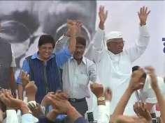 Celebrations in Ralegan as Lok Sabha passes Lokpal Bill