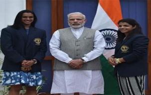Top headlines at 7pm, Aug 28: PM Modi meets PV Sindhu and Sakshi Malik at 7 RCR