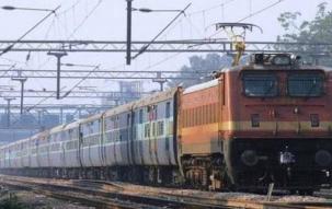 Uttar Pradesh: Seven coaches of Howrah-Jabalpur-Shaktikunj Express derail near Obra
